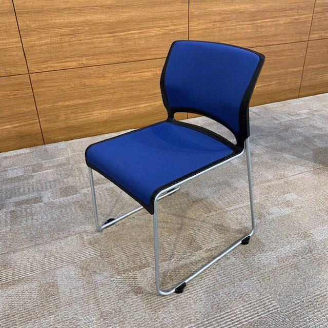 3.会議用椅子
